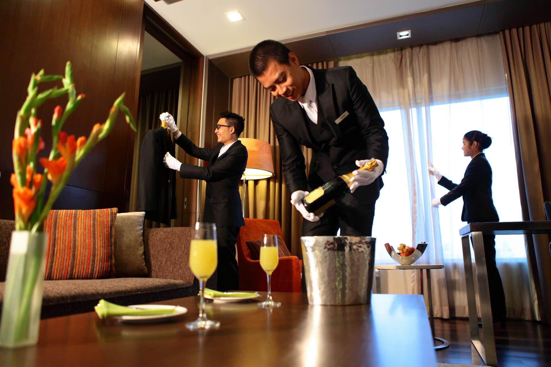 Room Service: Yasmak Sultan Hotel